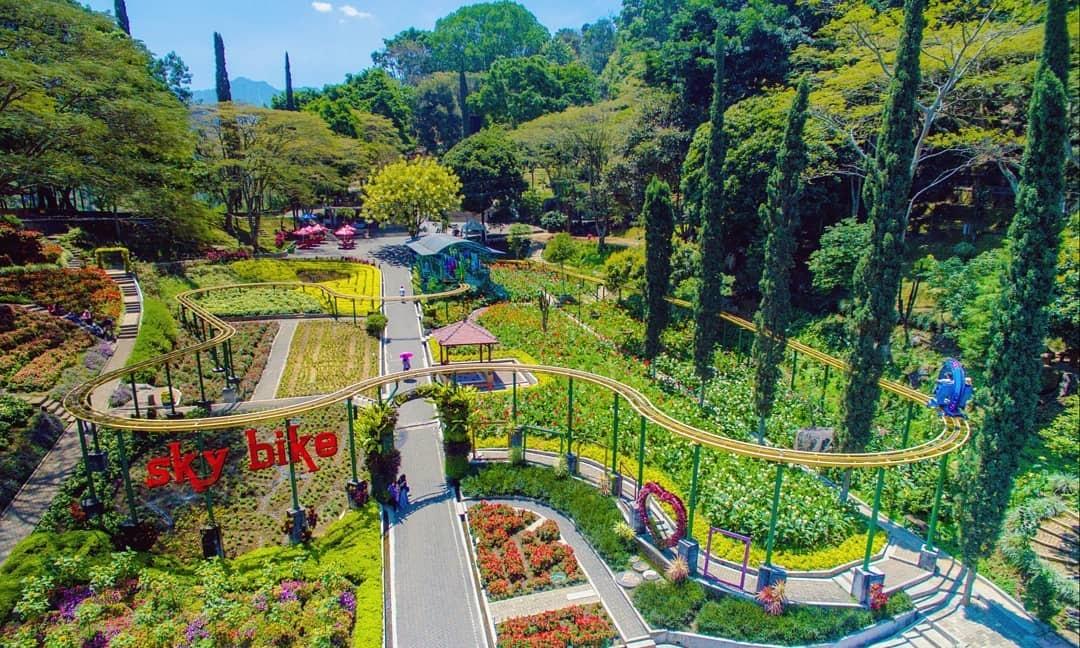Keindahan Taman Selecta Batu Malang