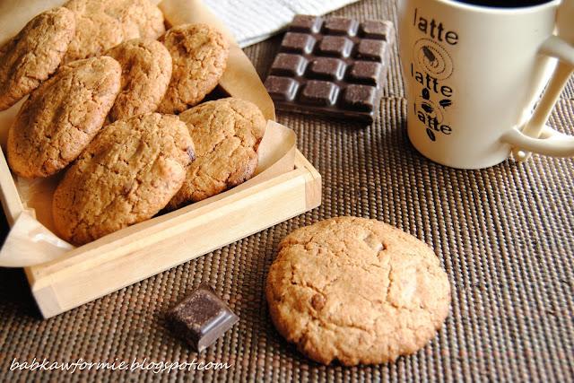 ciasteczka orkiszowe z kawałkami czekolady