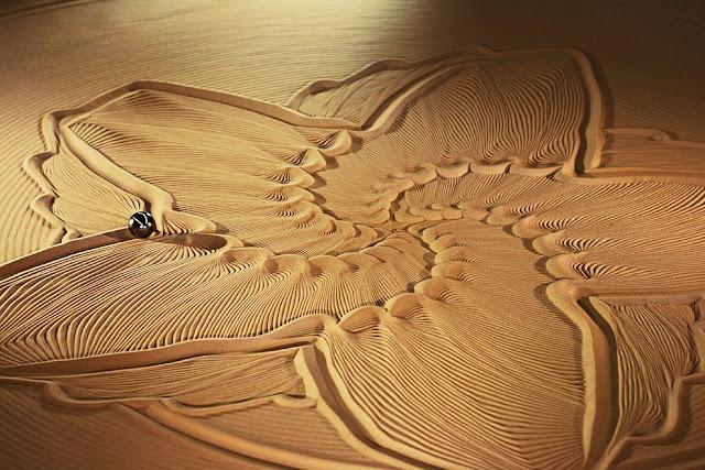"Sand composition ""The art of motion control."" Festival in San Mateo, California. (Photo by Ricardo Mendonasa Ferreira)"
