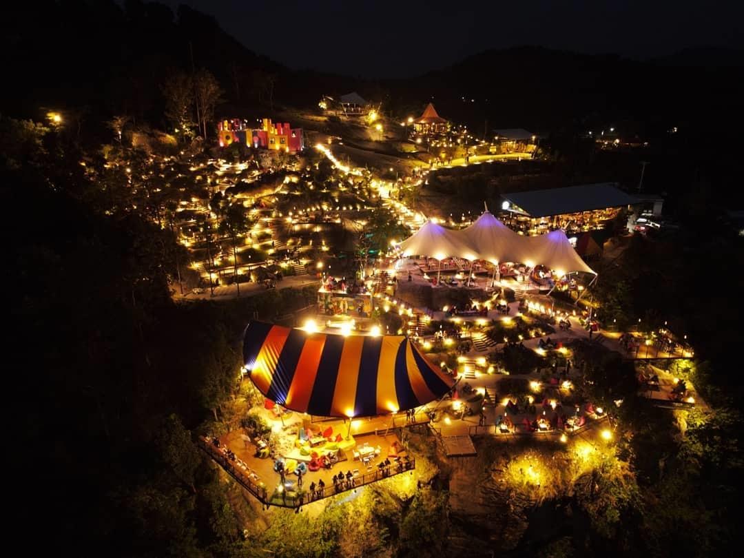 View Malam Hari Obelix Hills Jogja