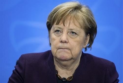 Μέρκελ: Η μεγαλύτερη πρόκληση μετά τον Β' Παγκόσμιο Πόλεμο
