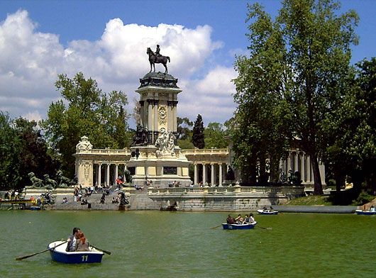 Parque del retiro madrid lugares para viajar en el mundo for Parques de madrid espana