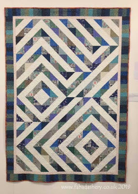 Made by Natalie Taylor,  quilted by Frances Meredith at Fabadashery Longarm Quilting