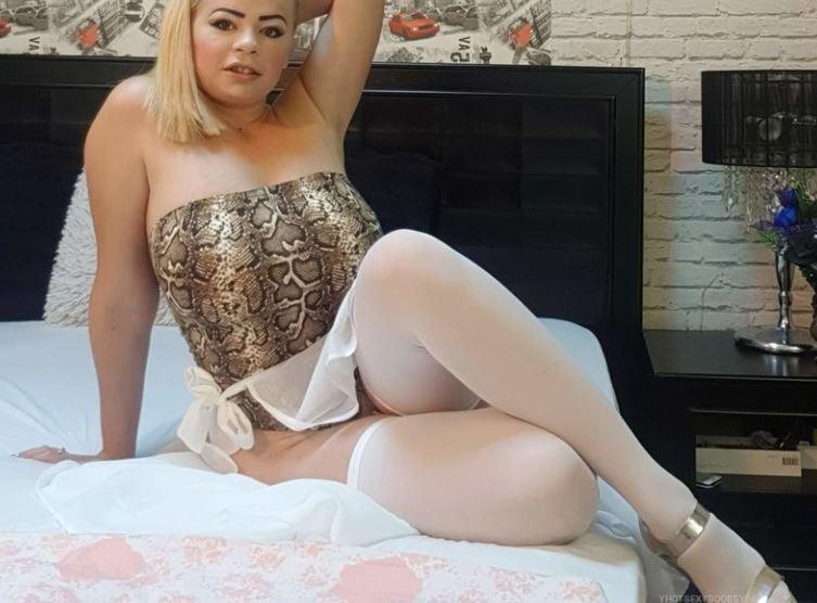 YhotsexyboobsY Model GlamourCams
