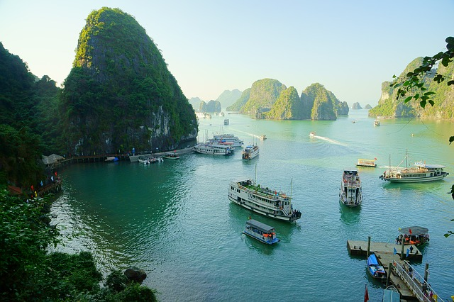 Halong Bay, Best Tourist Destinations, Must to visit, Top-rated tourist attractions, Holidays, Travel, Tour, tourism, Camping, Claiming, Hill, Hitchhiking, Solo travel, Solo tour, 13 Best Places to see in Vietnam 2021,