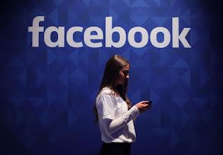 الوصول إلى القمة في مجال التكنولوجيا: عقد من اهتمامات بحث جوجل على Mark Zuckerberg