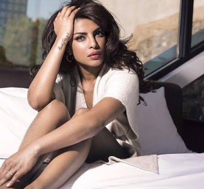 desi-girl-priyanka-chopra-raised-own-bar-globally-2016