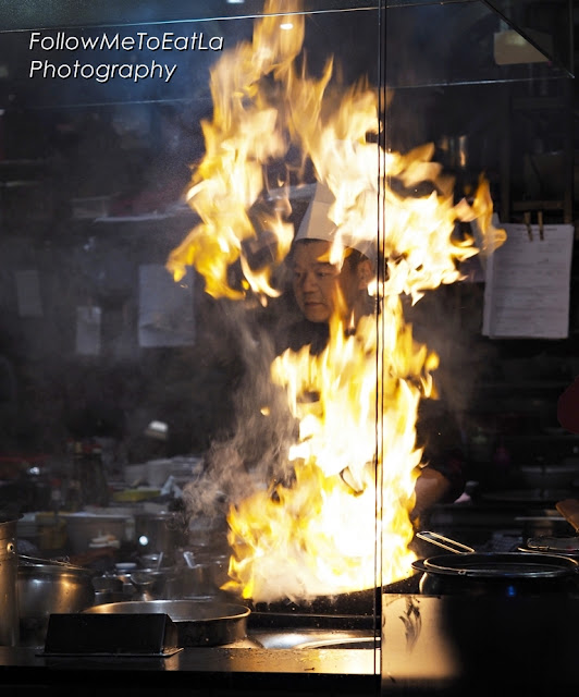 WOK-ON-FIRE CHEF Famous Shot Of Hong Kong Chef Alex Au In Action