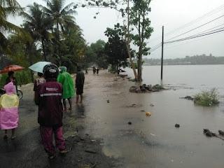 Luapan air memutuskan Jalan poros Soppeng-Sidrap