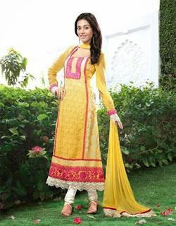 Amrita Rao's Yellow Designer Suit
