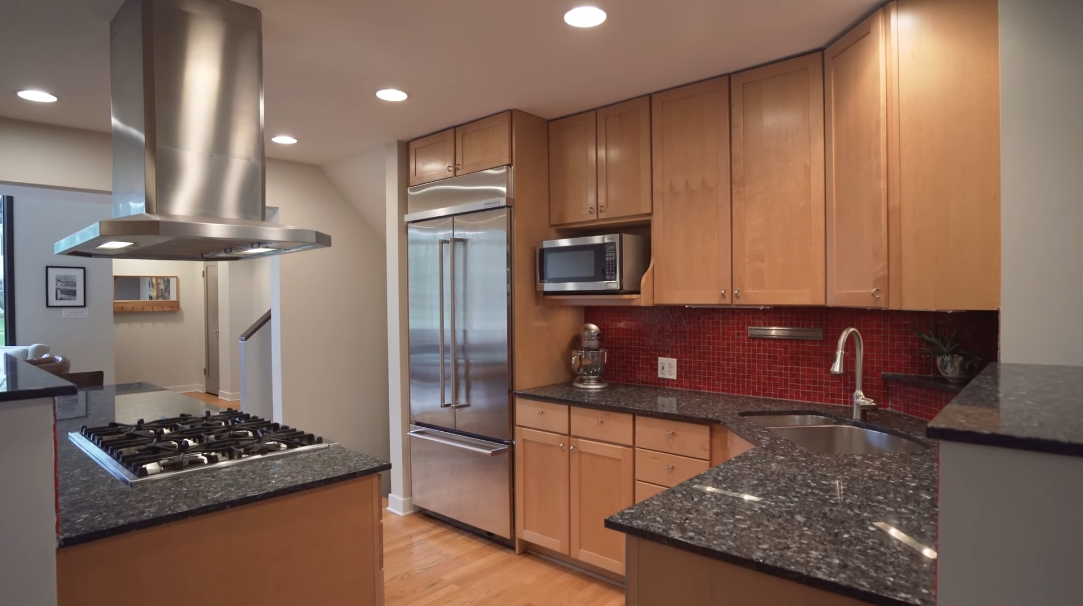27 Interior Design Photos vs. 675 Prairie Ave, Glen Ellyn, IL Home Tour