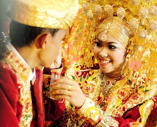 prosesi perikahan ala minangkabau