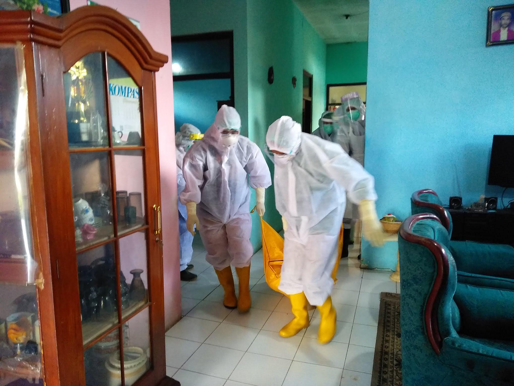 Beberapa Hari Tidak Keluar Rumah, Pria Paruh Baya Ditemukan Meninggal di Kamarnya
