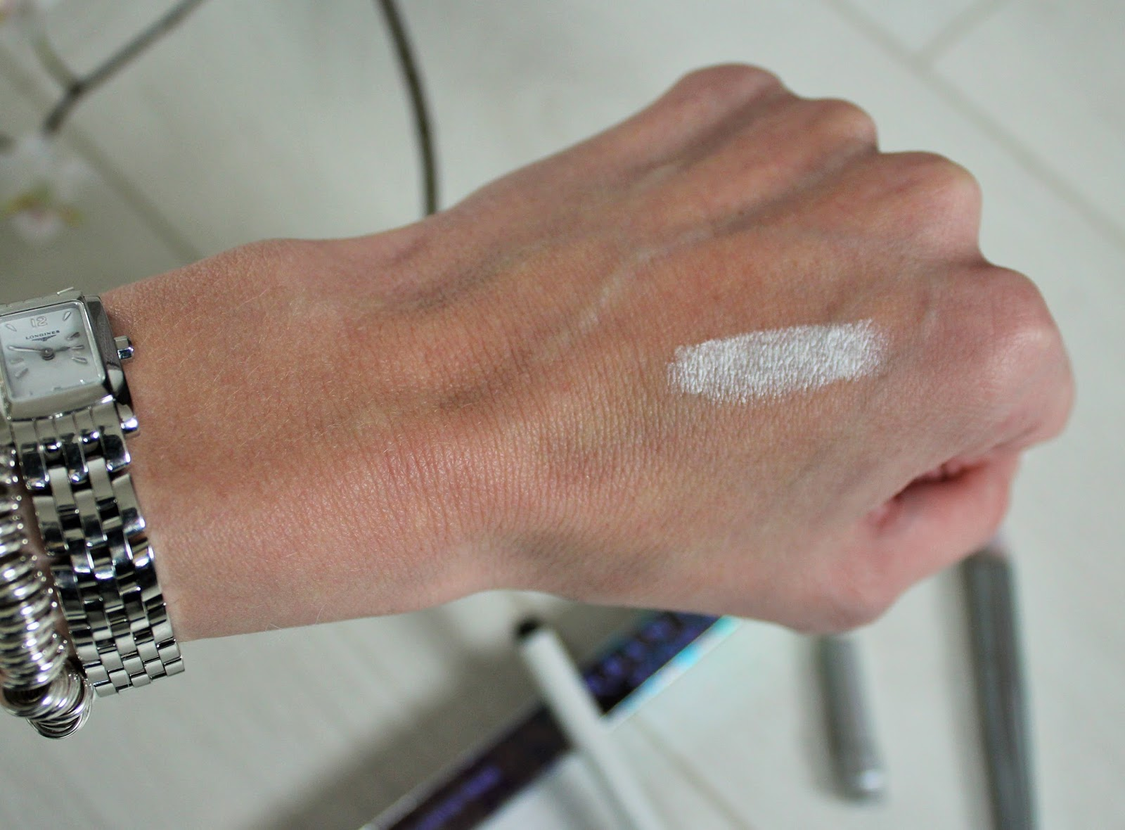 Quick Makeup Cheat for Wide Awake Eyes - Featuring Urban Decay 24/7 Glide-On Eye Pencil in Yeyo