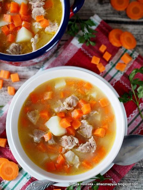 zupa marchewkowa, kartoflanka z marchewka, wywar wieprzowy, zupa na warkoczu, zupy domowe, smak dziecinstwa, zupa mojej babci, ulubione zupy, zupa dnia, domowe jedzenie