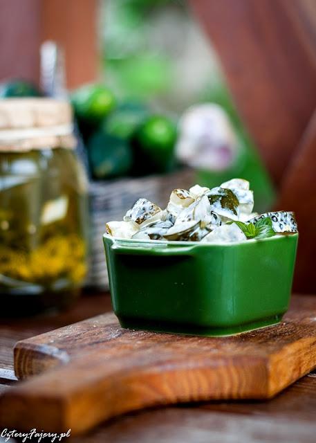 salatka-z-kiszonych-ogorkow-z-majonezem