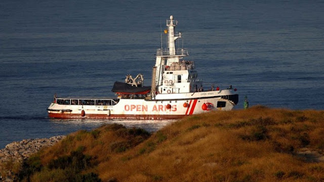 España accedería a acoger a parte de los náufragos del Open Arms