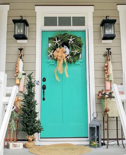 Coastal Cottage Christmas Front Door Porch Decor Idea
