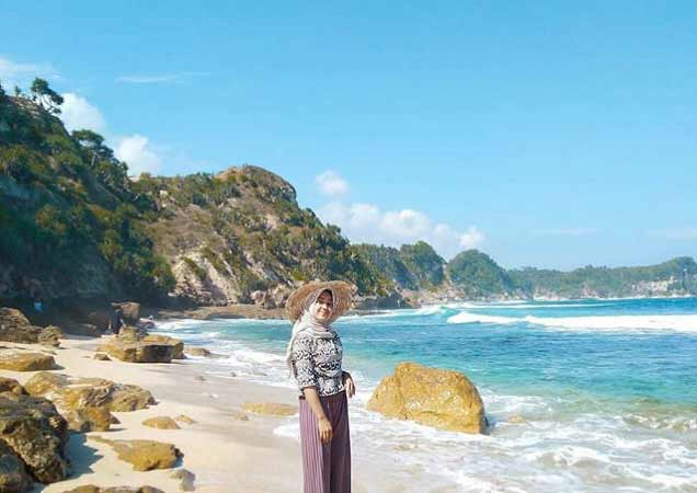 Pantai Nampu Yang Sangat Menarik Untuk Dikunjungi