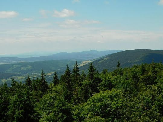 Góry Kamienne na horyzoncie.