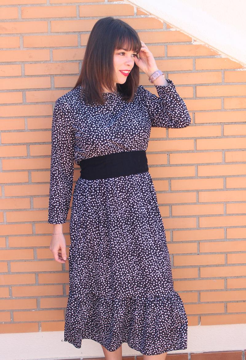 Outfit con vestido midi