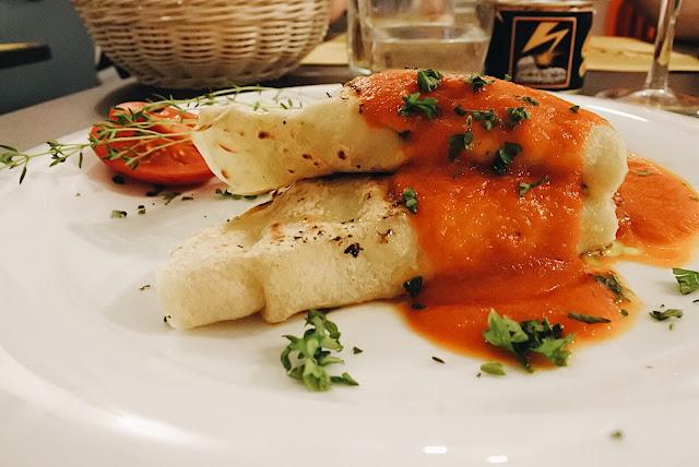 vegaaniset lettuset tofupinaatti täytteellä, So What vegan restaurant, Rome