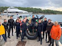 Čišćenje podmorja i plaža Milna slike otok Brač Online