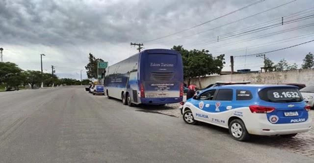 Ônibus vindo de São Paulo apreendido em Valente