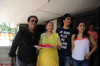 Govinda celeting Holi with His family wife daughter 019.JPG