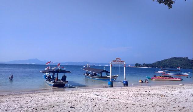 Fasilitas Pantai Mutun Lampung