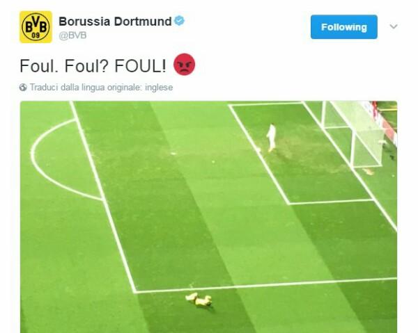 Rizzoli non concede un chiaro rigore al Borussia Dortmund