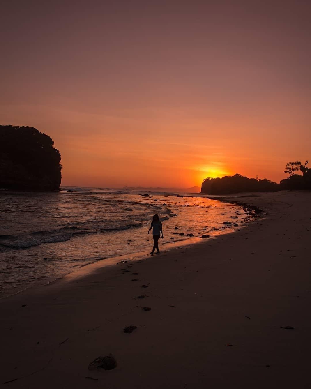 Deskripsi Pantai Ngudel