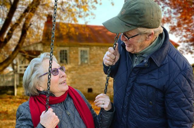 Casal de idosos