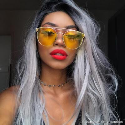Óculos com lente colorida