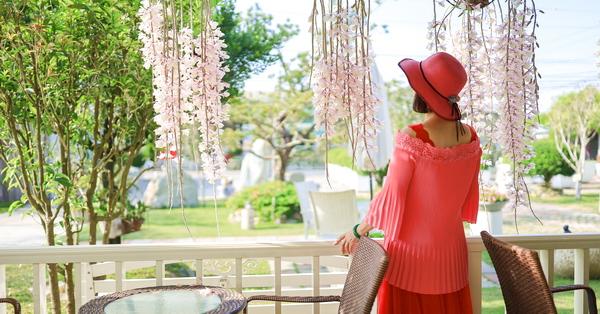 台中霧峰桂咖啡位於稻田間,被桂花和石斛蘭包圍的小木屋庭園咖啡