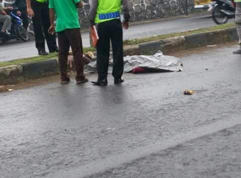 Tabrak Trotoar Depan Kampus Dua UIN Walisongo, Gadis Asal Rembang Tewas Ditempat
