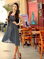 http://www.stylishbynature.com/2015/04/10-tips-to-look-slimmer-clever-dressing.html