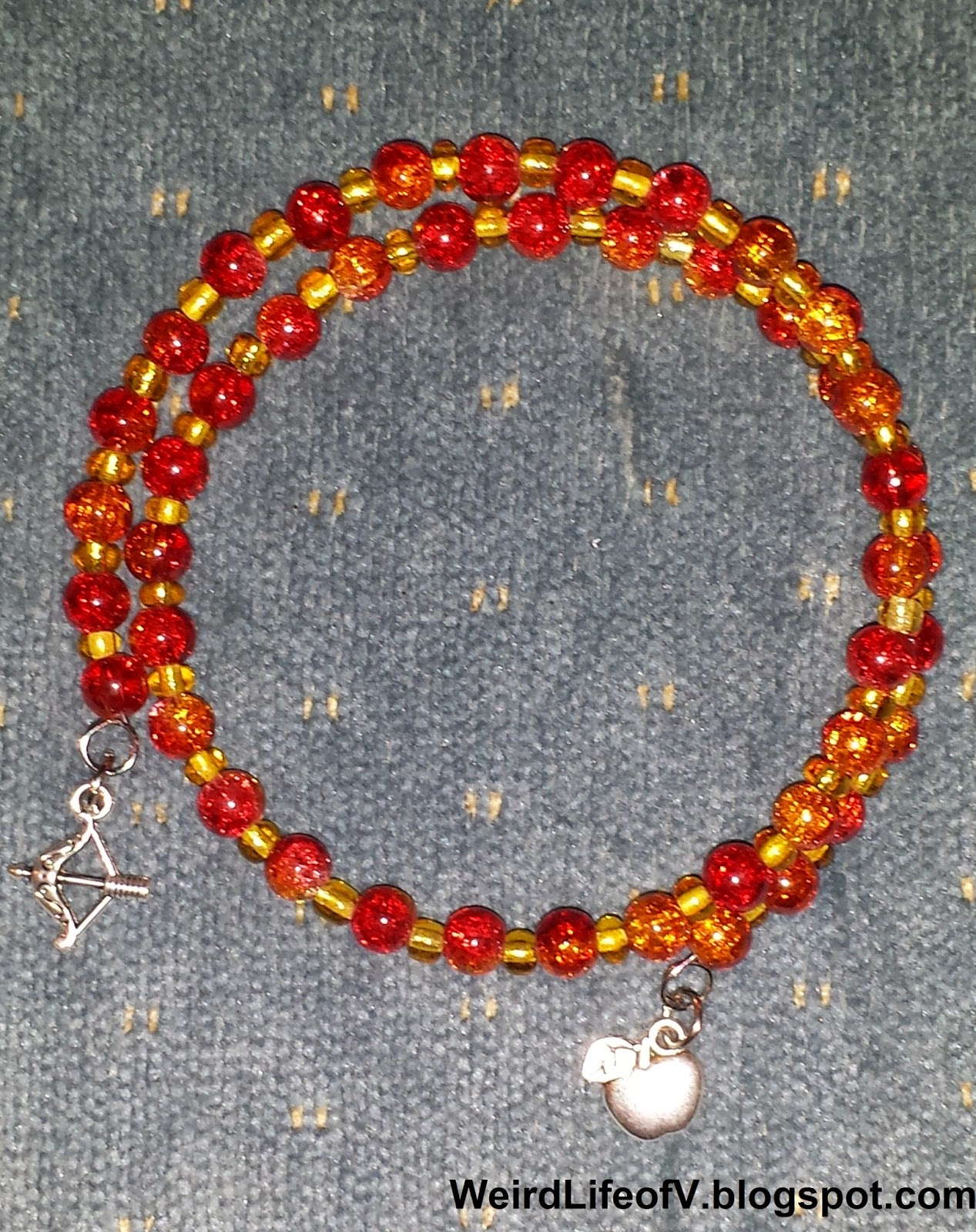 DIY: The Hunger Games inspired beaded memory wire bracelet