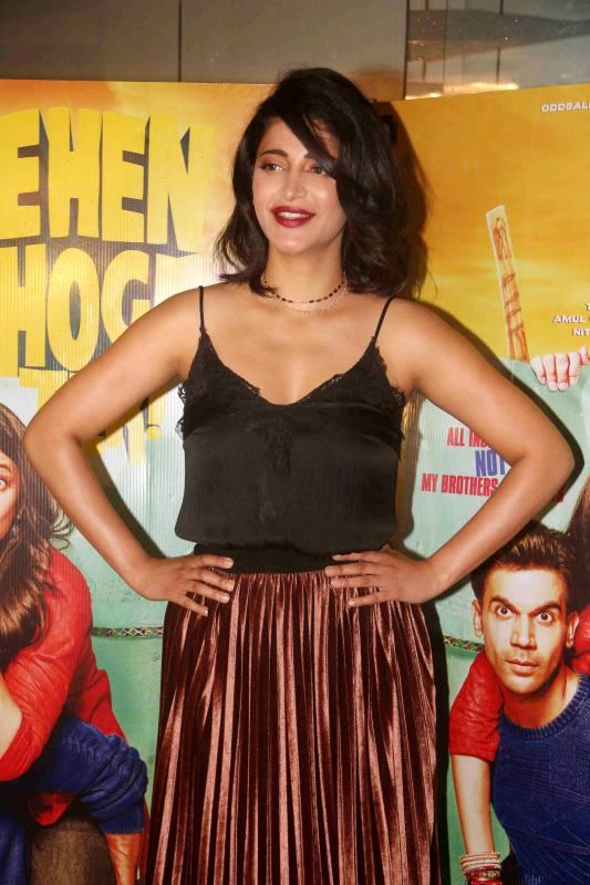 North Indian Actress Shruti Haasan Photos In Black Top At Hindi Film Screening