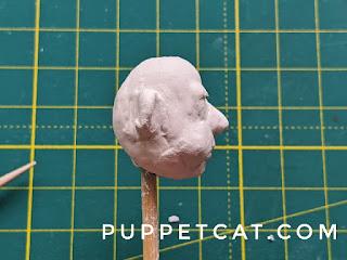 профиль кукольной головы