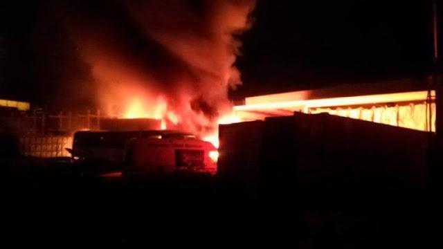 Incendio y explosiones en Las Torres, Las Palmas de Gran Canaria Recuperadora Canaria de Chatarras