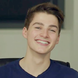 Finn Harries.