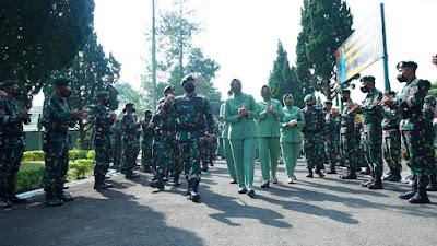Kunjungan Kerja Pangkostrad Ke Yonif Raider 303 Kostrad