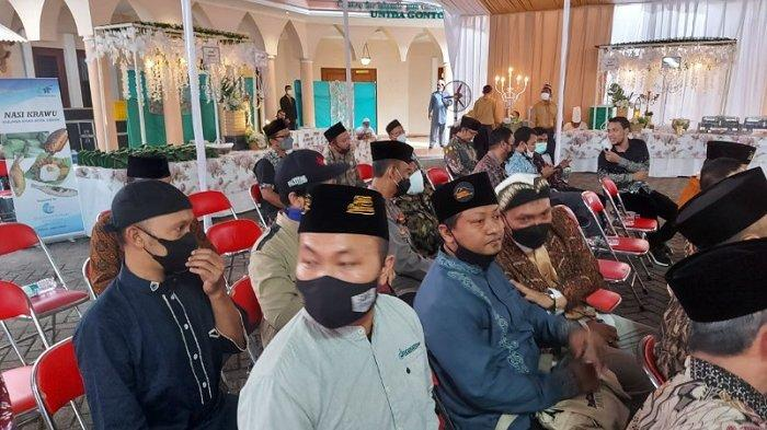 Diwarnai-Hujan-Resepsi-Pernikahan-Ustadz-Abdul-Somad-Fatimah-Az-Zahra-Dihadiri-Sejumlah-Artis-hingga-Pejabat