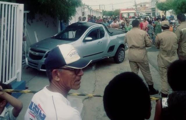 Motorista morre após colidir veículo em muro de posto médico
