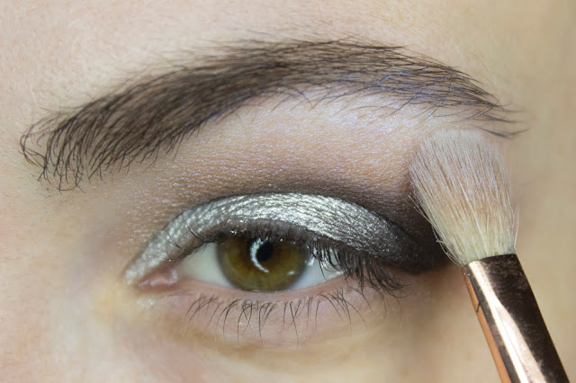 New year make-up 2018, step 5: Limoni Eye Shadow 203 - Frosty Waterwall