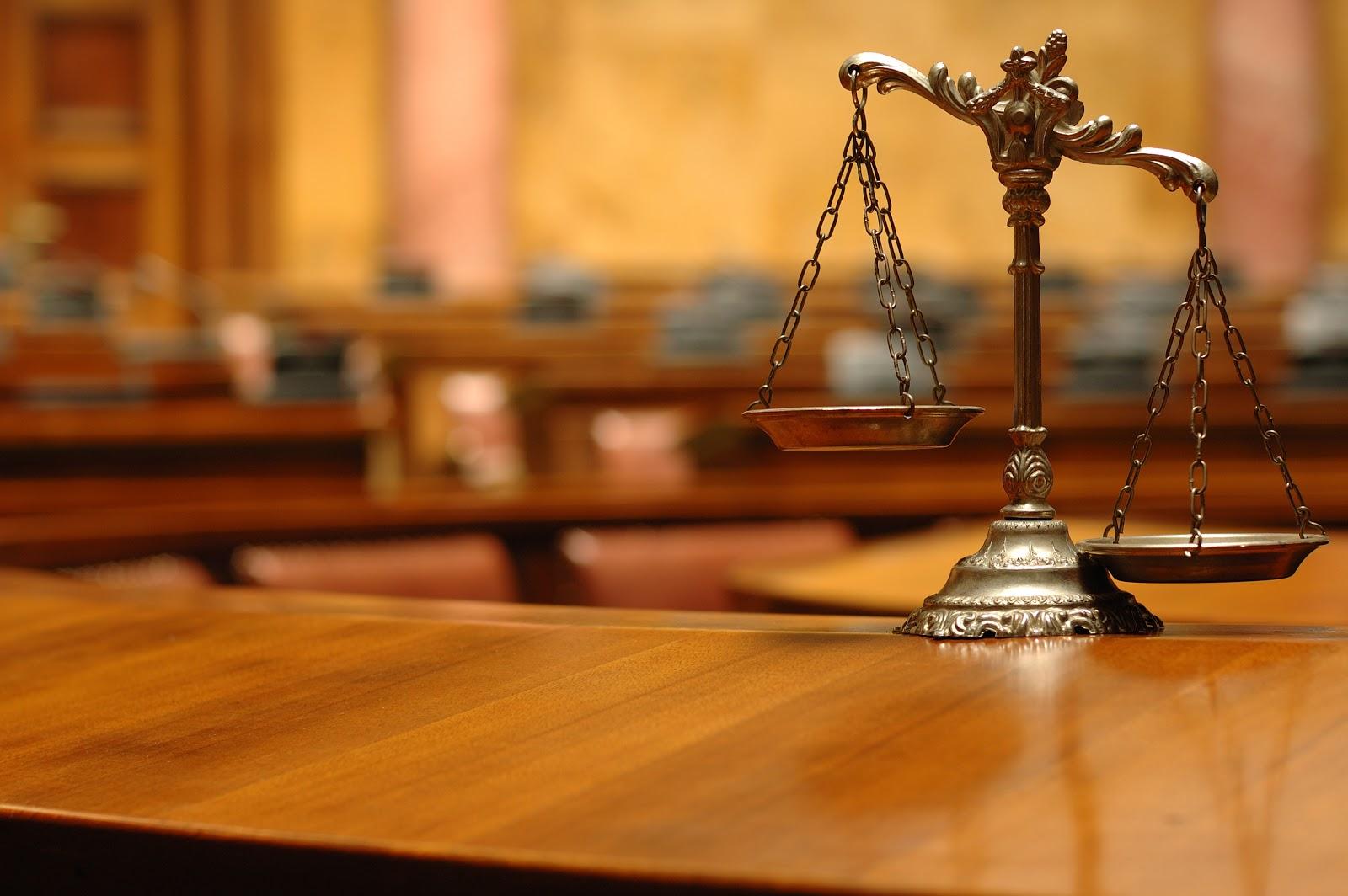 Jelaskan Perbedaan antara hak dan kewajiban asasi manusia