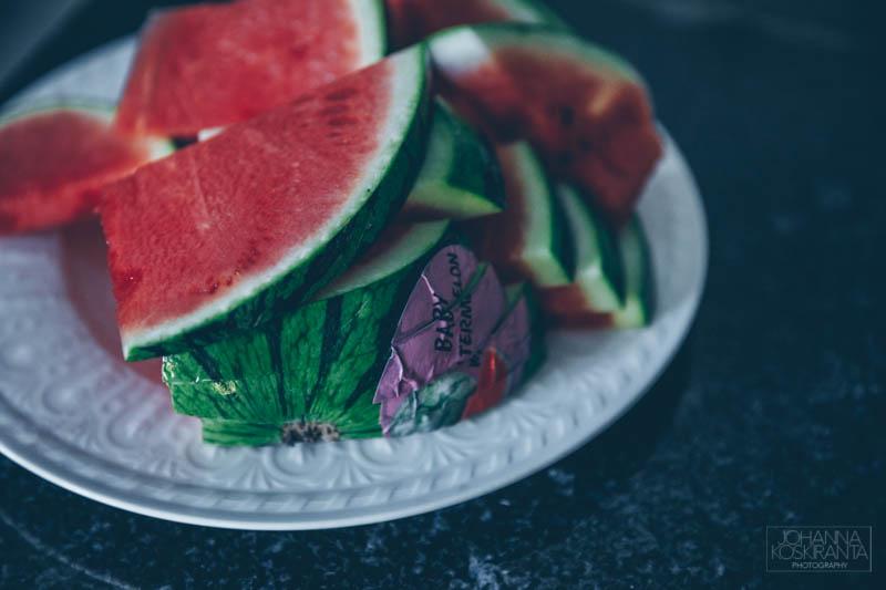 Vesimeloni-fetasalaatti ja syyt miksi vesimelonia kannattaa syödä kesällä?