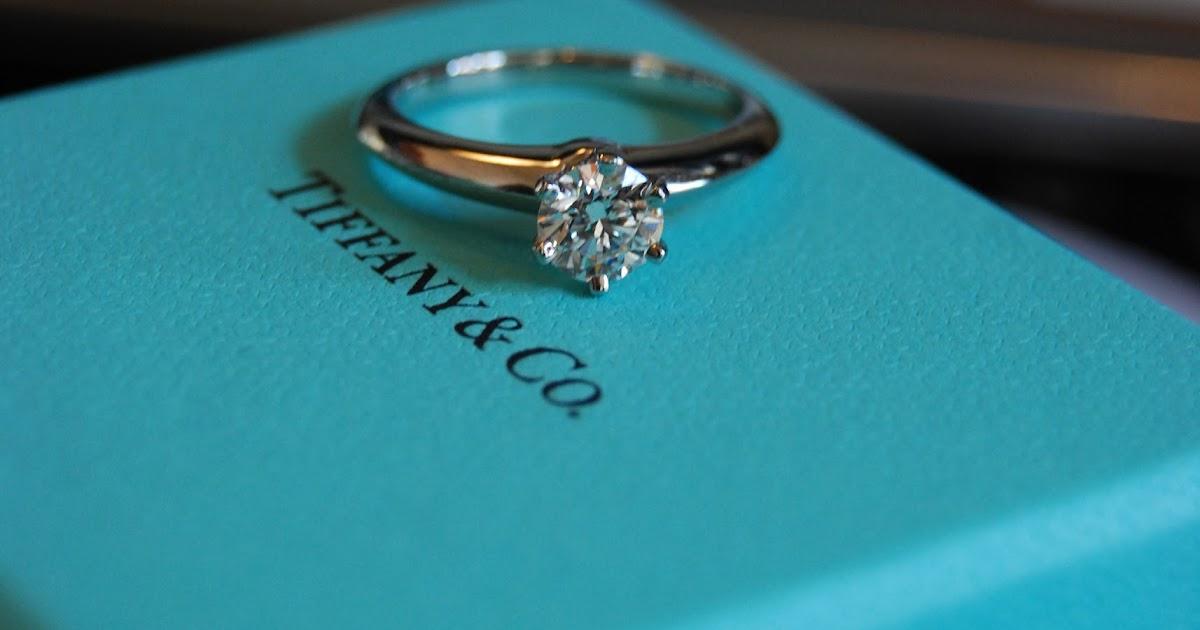 Mr & Mrs Chan: My Tiffany Engagement Ring - 女孩夢中的藍盒子,還是犒賞自己,然而婚嫁是人生大事,客人只要帶同戒指和購物單據到任何一間分店或與客服人員聯絡,男生給女生的一生承諾