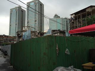 由虎林街側拍攝到的工地外圍籬照片